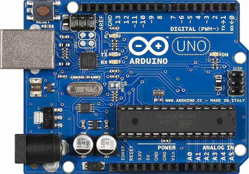 Arduino UNO 1